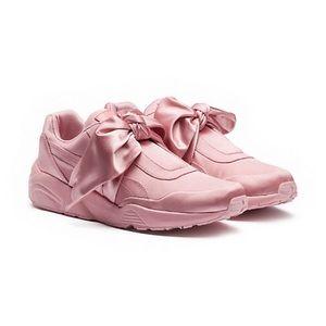 Fenty x Rihanna Puma Bow Sneakers Baby Pink 6.5
